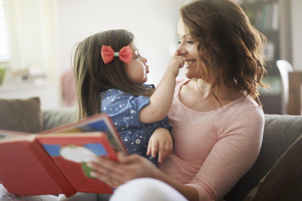 mother-reading-to-daughter-love-language-for-kids